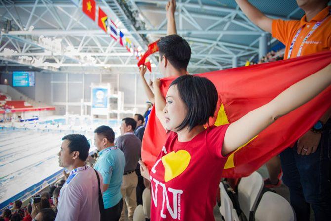 Phương Thanh khóc khi VĐV Ánh Viên giành 2 huy chương vàng - Ảnh 9