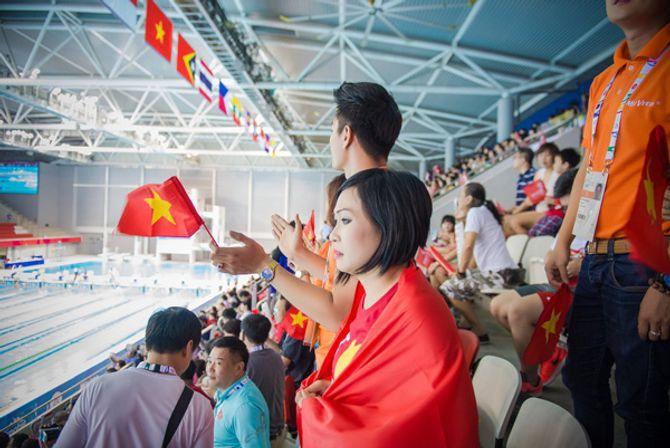 Phương Thanh khóc khi VĐV Ánh Viên giành 2 huy chương vàng - Ảnh 10
