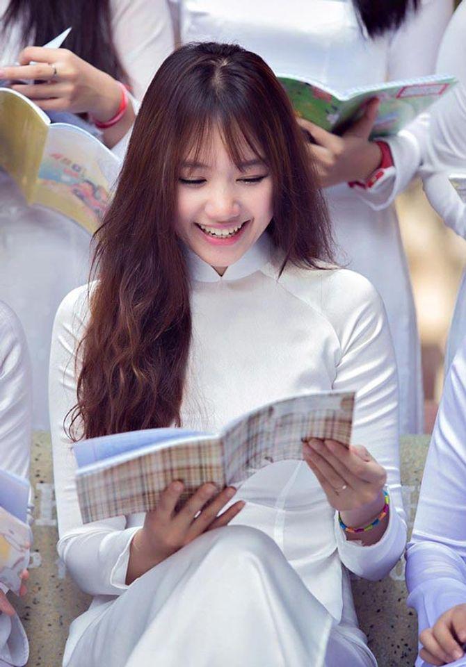 Con đường dấn chân vào showbiz Việt của cô gái Hàn Quốc Hari Won - Ảnh 1