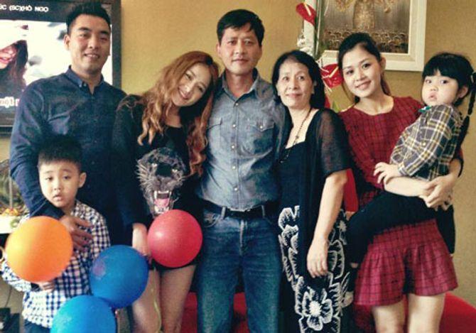 """Chân dung """"bà mẹ 2 con"""" khiến Chi Pu luôn bị bố mẹ la mắng - Ảnh 1"""