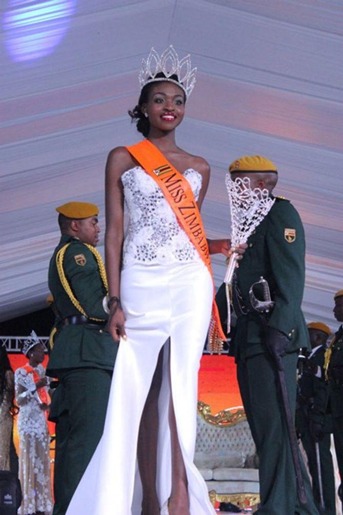 Lộ ảnh khỏa thân, Tân Hoa hậu thế giới Zimbabwe bị