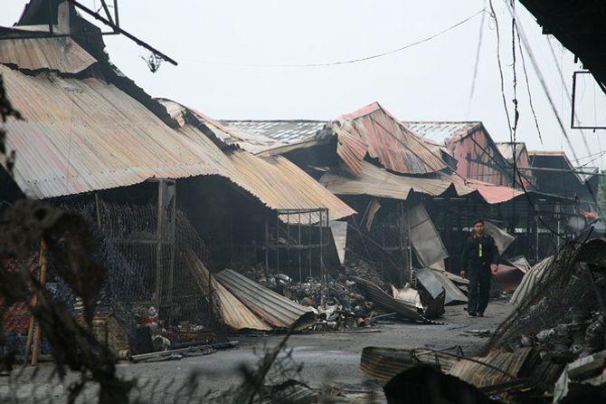 Nguyên nhân cháy chợ Phủ Lý khiến 281 hộ kinh doanh bị thiệt hại nặng nề - Ảnh 1
