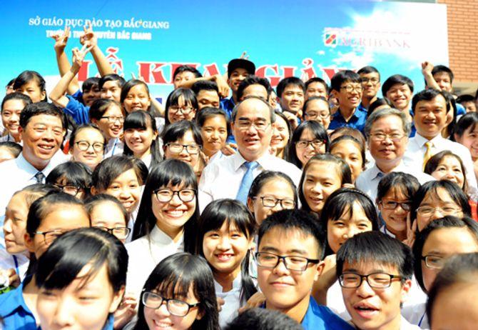 Mong thế hệ trẻ học giỏi, góp sức dựng xây đất nước