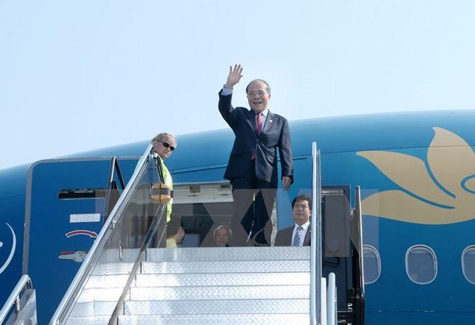 Chủ tịch Quốc hội Nguyễn Sinh Hùng bắt đầu thăm thành phố Boston - Ảnh 1