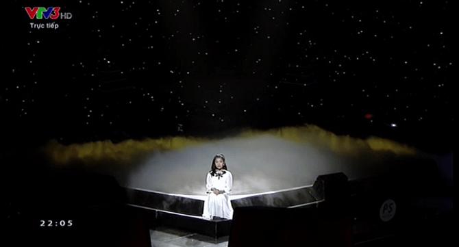 Bán kết Giọng hát Việt Nhí 2015: Đức Phúc đeo mặt nạ nhảy điệu