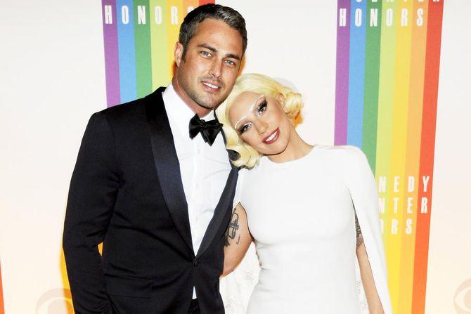 Hôn phu của Lady Gaga hé lộ về đám cưới tại Morocco sau 4 năm hẹn hò - Ảnh 1