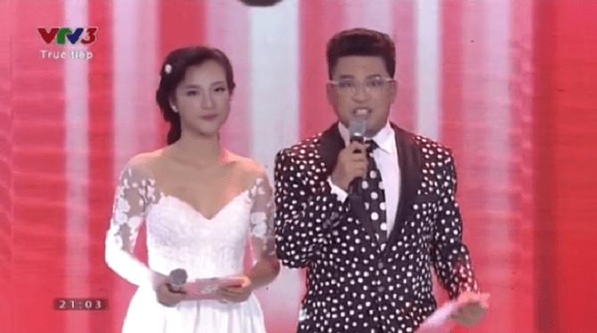 Giọng hát Việt Nhí 2015 liveshow 4: Công Quốc giả gái siêu đáng yêu - Ảnh 1
