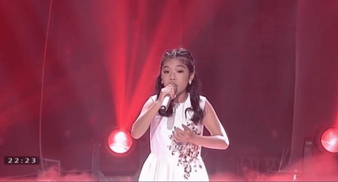 Giọng hát Việt Nhí 2015 liveshow 4: Công Quốc giả gái siêu đáng yêu - Ảnh 11