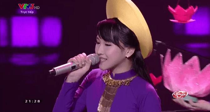Giọng hát Việt Nhí 2015 liveshow 4: Công Quốc giả gái siêu đáng yêu - Ảnh 5