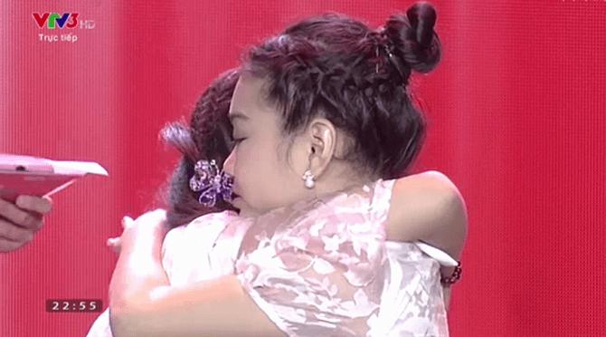 Giọng hát Việt nhí 2015 liveshow 3: Thí sinh nhí nhập vai Elsa và Anna cực ngọt - Ảnh 19