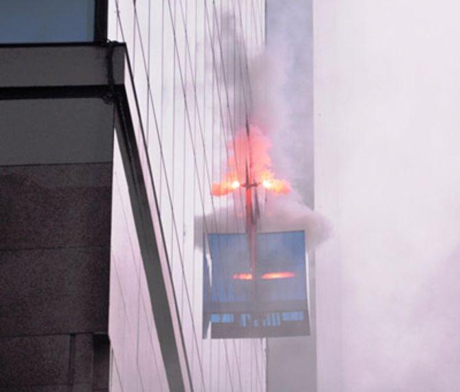 Hơn 2.000 người diễn tập chữa cháy tại tòa nhà 26 tầng - Ảnh 8