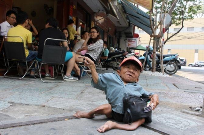 "chuyen doi dam nuoc mat cua nguoi dan ba co 15 nam cham soc ""so dua"" - 2"