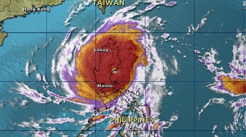 Siêu bão Koppu đổ bộ Philippines gây lũ lụt và sạt lở đất - Ảnh 1