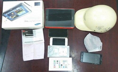 Nam sinh cướp điện thoại đặt mua qua mạng - Ảnh 1