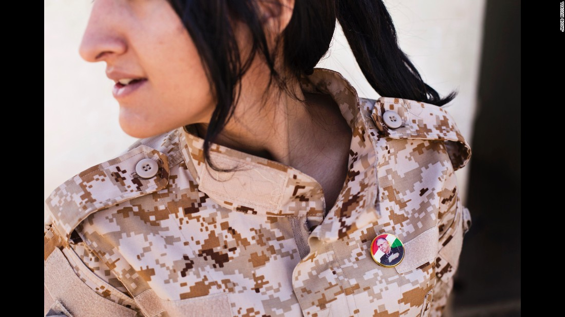 Bộ ảnh cảm động về cuộc sống của các nữ chiến binh người Kurd chống IS - Ảnh 6