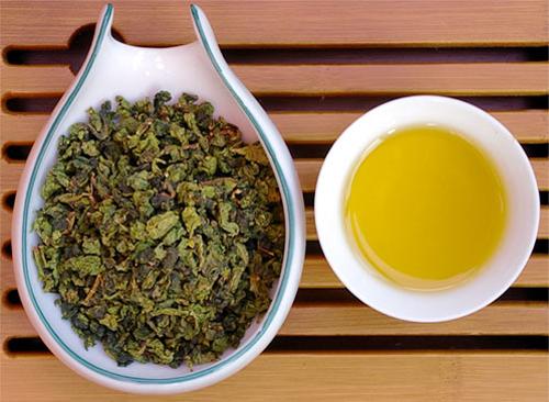 Trà ô long hay trà xanh tốt hơn cho việc giảm cân? - Ảnh 1