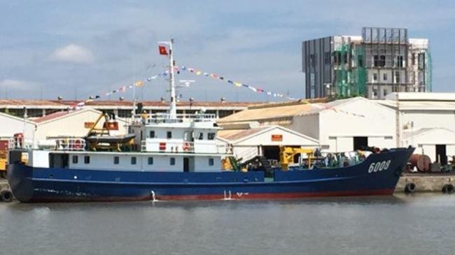 Bàn giao tàu trinh sát cho lực lượng Cảnh sát biển - Ảnh 1