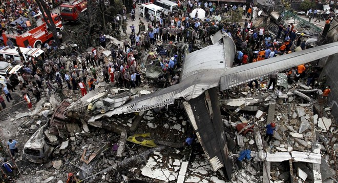 Máy bay rơi ở Indonesia: 116 người chết, tiết lộ danh tính phi hành đoàn - Ảnh 1
