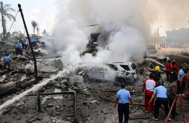 Máy bay rơi ở Indonesia: 116 người chết, tiết lộ danh tính phi hành đoàn - Ảnh 4