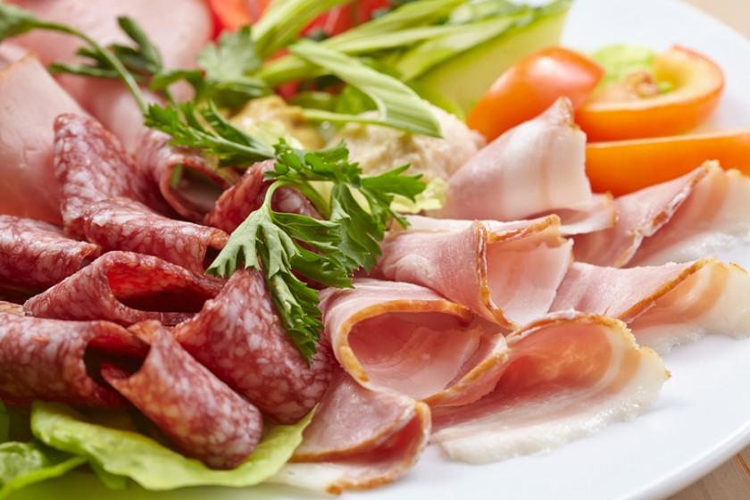 Những thực phẩm gây ung thư mà bạn vẫn ăn hàng ngày - Ảnh 1