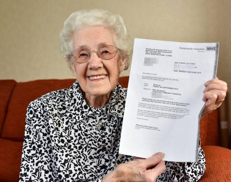 Cụ bà 99 tuổi sốc vì bị chẩn đoán đã có thai - Ảnh 1