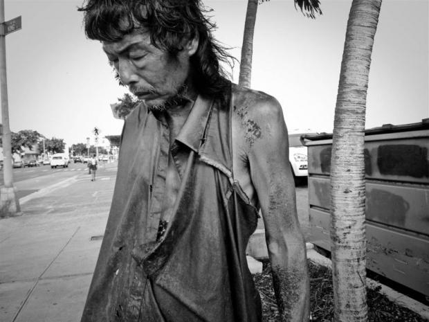 Cái kết đầy bất ngờ của cô gái dành 10 năm chụp ảnh người vô gia cư - Ảnh 2