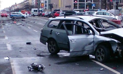 Berlin bàng hoàng vì vụ nổ xe hơi nghi bị đánh bom - Ảnh 1