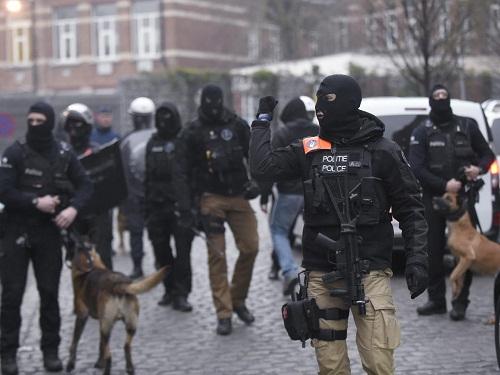 Hành trình truy bắt kẻ chủ mưu vụ khủng bố Paris - Ảnh 2