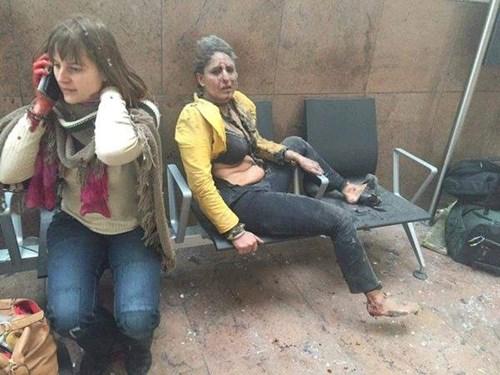 Sân bay Bỉ đổ nát và hỗn loạn sau 2 vụ nổ liên tiếp  - Ảnh 8