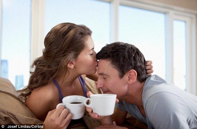 Chồng uống đồ chứa caffein khiến vợ có nguy cơ sảy thai cao - Ảnh 1