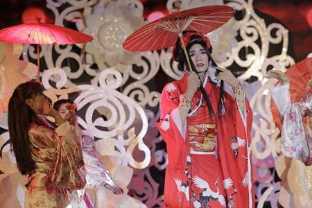 """Trấn Thành """"cướp"""" vợ sắp cưới của Ngô Kiến Huy - Ảnh 9"""