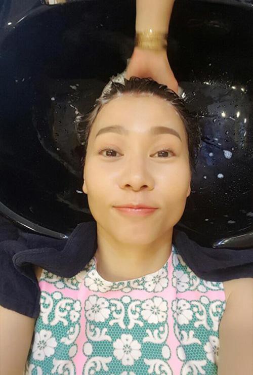 Facebook sao: Nhã Phương lần đầu nói yêu Trường Giang, Hà Tăng gầy gò - Ảnh 9