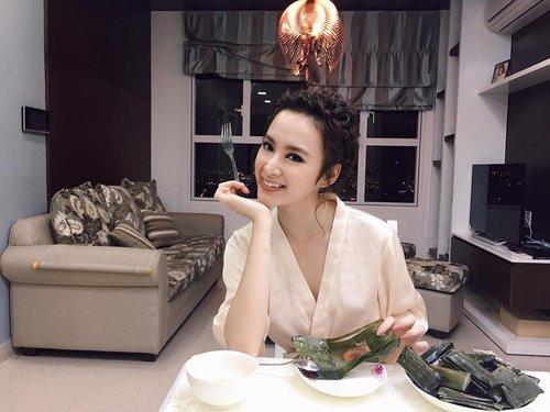 """Facebook sao: Hoàng Thùy Linh khoe dáng nuột nà, Hà Tăng lộ thân hình """"cò hương"""" - Ảnh 7"""