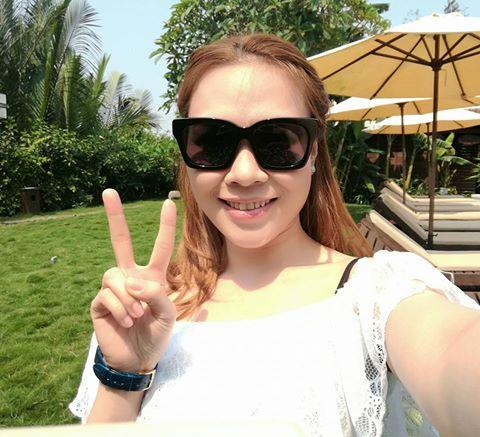Facebook sao: Elly Trần hạnh phúc ngắm nhìn Cadie thơm má Alfie - Ảnh 7