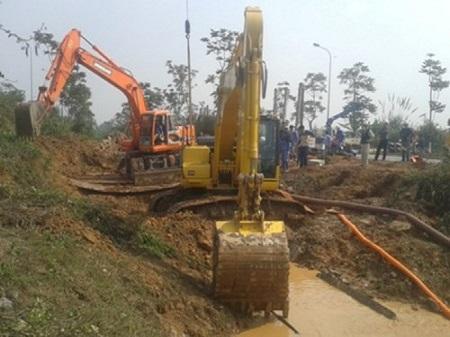 Tòa án Hà Nội tiếp nhận hồ sơ vụ vỡ đường ống nước Sông Đà - Ảnh 1
