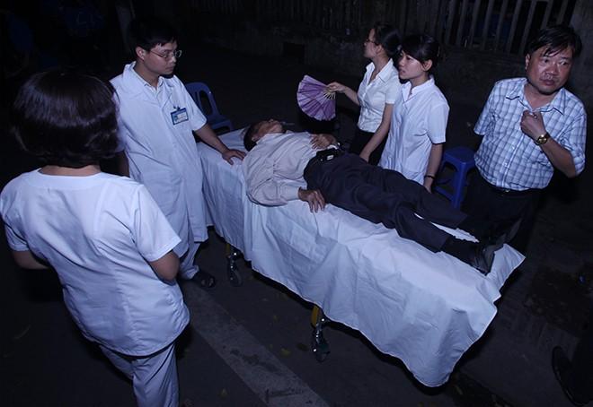 Lễ viếng Đại tướng Võ Nguyễn Giáp kéo dài hết đêm - Ảnh 2