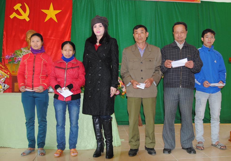 210 triệu đồng giúp người dân nghèo Hà Tĩnh đón tết - Ảnh 4