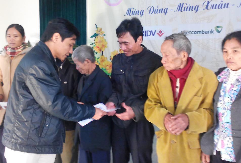 210 triệu đồng giúp người dân nghèo Hà Tĩnh đón tết - Ảnh 5