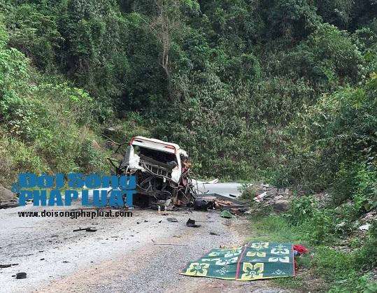 Vụ nổ xe 8 người chết: Tạm dừng giao dịch tại cửa khẩu Cha Lo - Ảnh 1