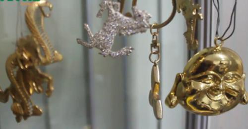 Rộ mốt ở nhà… dát vàng của đại gia Việt - Ảnh 1