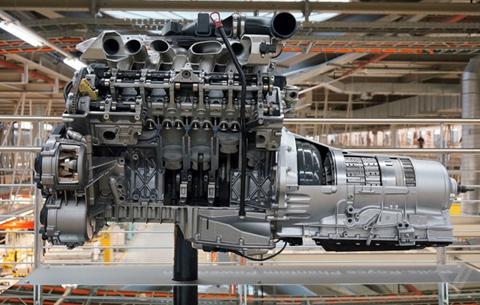 Khám phá nhà máy sản xuất của Rolls-Royce - Ảnh 16