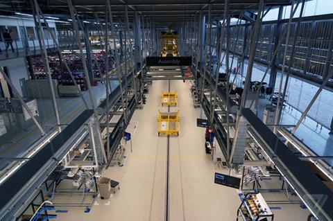 Khám phá nhà máy sản xuất của Rolls-Royce - Ảnh 3