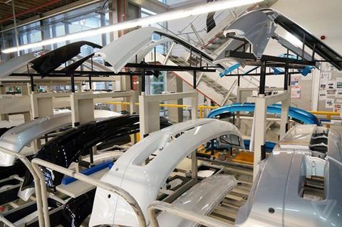Khám phá nhà máy sản xuất của Rolls-Royce - Ảnh 8