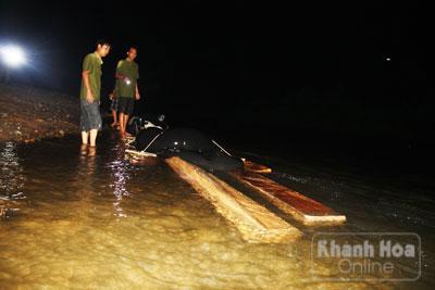 Hành trình trắng đêm bắt gỗ lậu tại Khánh Hòa - Ảnh 2