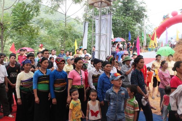 Thanh Hóa gấp rút hoàn thành 22 cây cầu treo trước tháng 6/2015 - Ảnh 1