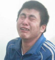 Tài xế taxi giết đồng nghiệp khóc như mưa tại tòa - Ảnh 1