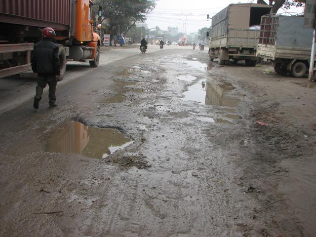 """Thành phố Thanh Hóa """"bất lực"""" trước thực trạng xe chở quá tải. - Ảnh 1"""