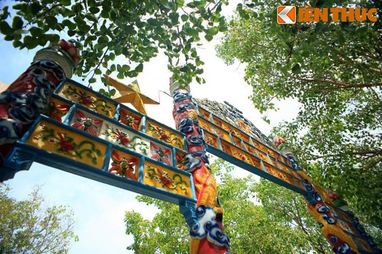 Khám phá thánh địa lạ lùng nhất Việt Nam - Ảnh 12