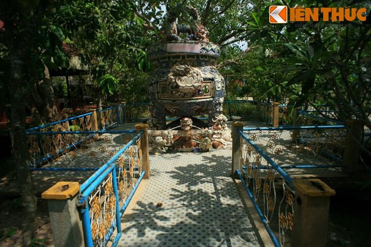 Khám phá thánh địa lạ lùng nhất Việt Nam - Ảnh 14