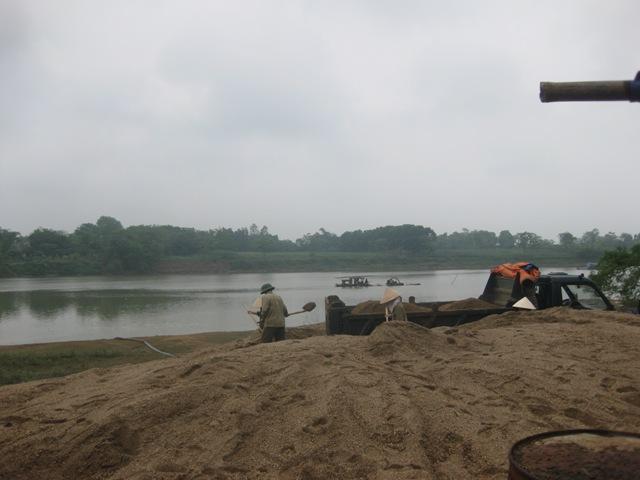 Thanh Hóa: Cần chấm dứt việc tiếp tay cho các bãi cát trái phép - Ảnh 4